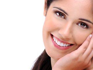 Kvinde med tandretning